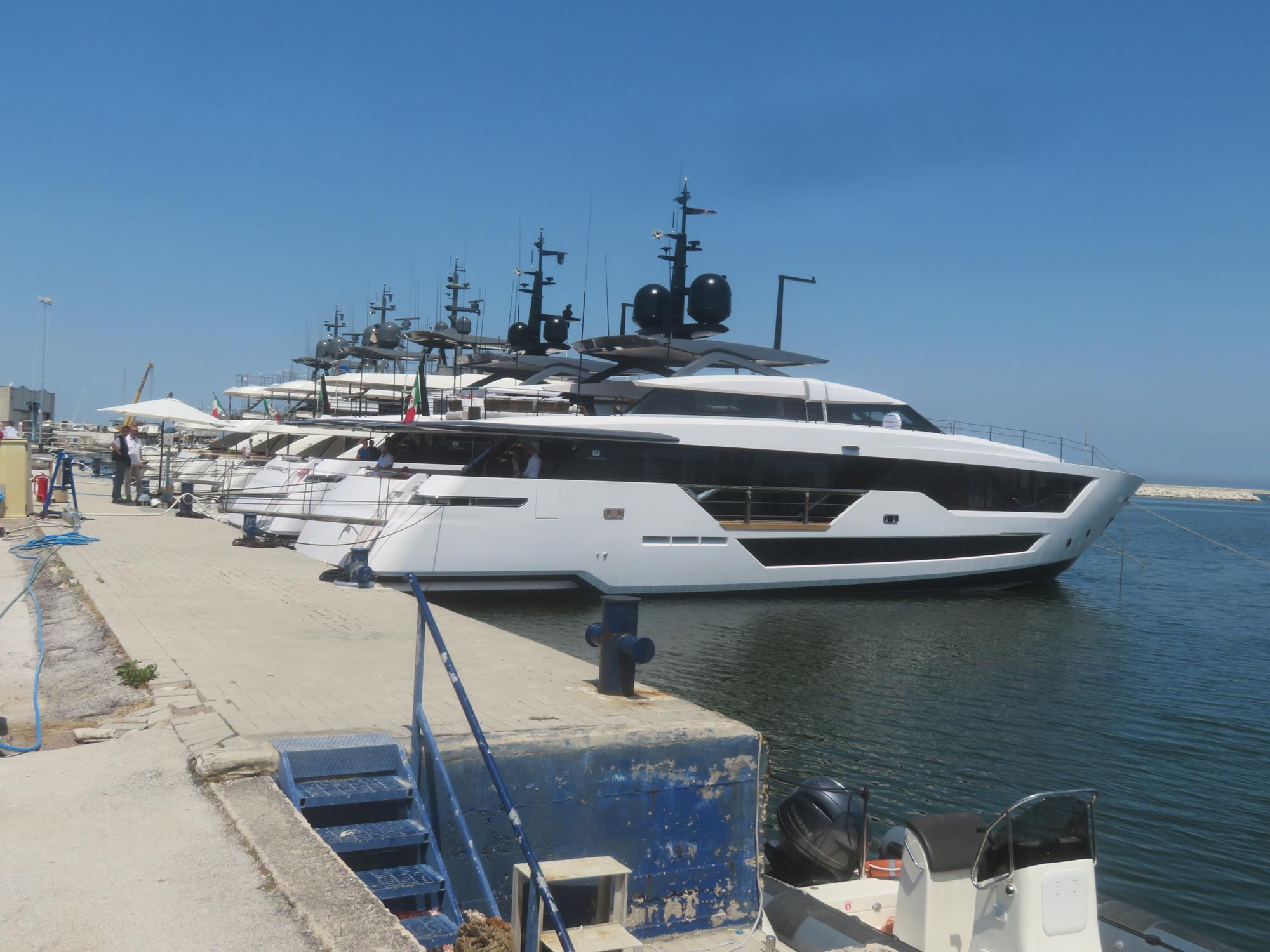 size 40 98939 83c1b Ferretti Group consolidates superyacht new building in ...