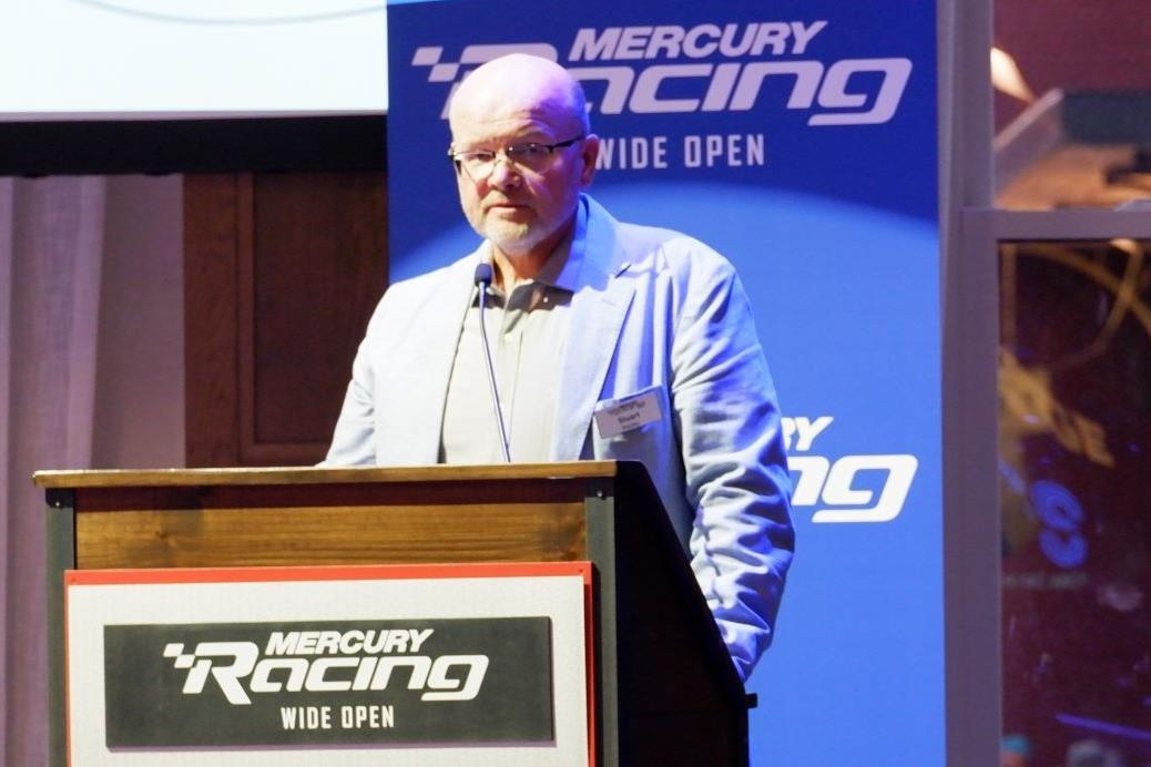 Mercury Racing 450R V-8 opens bigger boats to outboard power